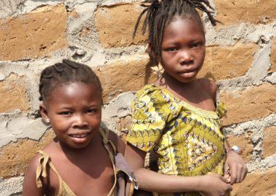 afryka-dzieciaki-w-butach-02