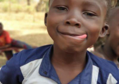 afryka-dzieciaki-w-butach-08