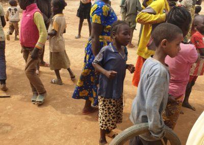 afryka-dzieciaki-w-butach-13