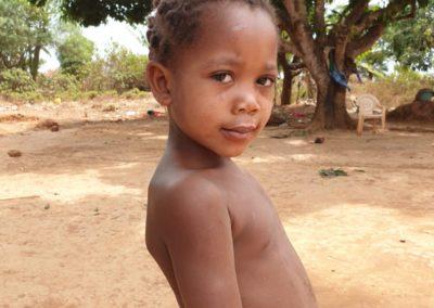 afryka-dzieciaki-w-butach-17